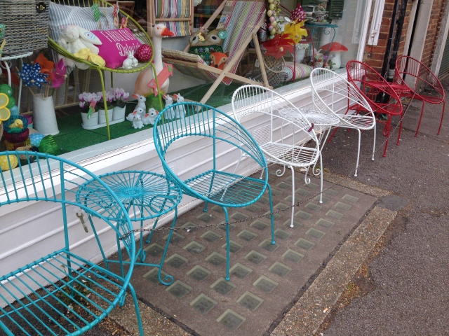 retro outdoor furniture
