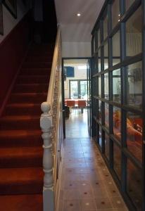 Hallway SW4